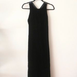 Donna Ricco Petite Long Velvet Dress Size 4